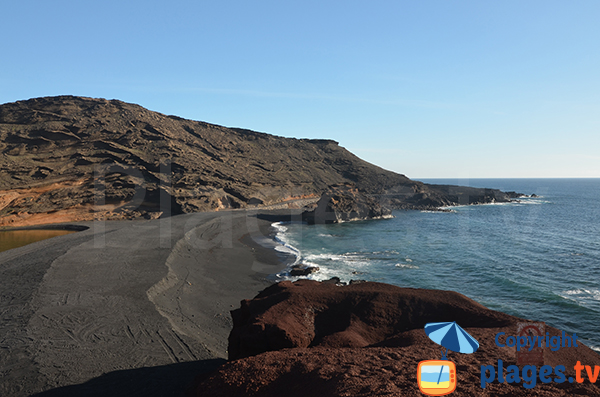 Beach in El Golfo in Lanzarote