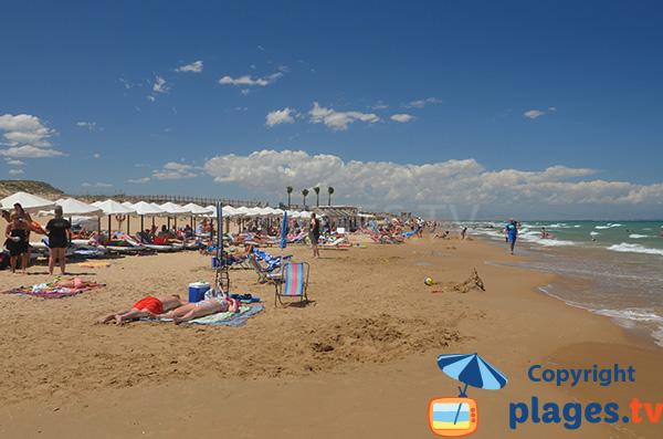 Location de matelas sur la plage El Moncaio à Guardamar