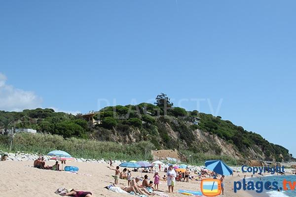 Plage à l'entrée de Sant Pol de Mar en Espagne
