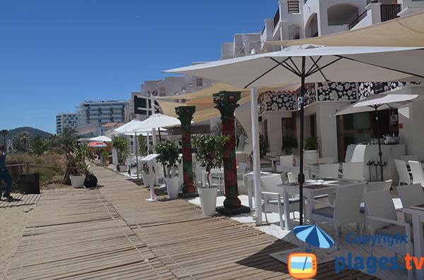 Restaurants sur la plage d'En Bossa à Ibiza