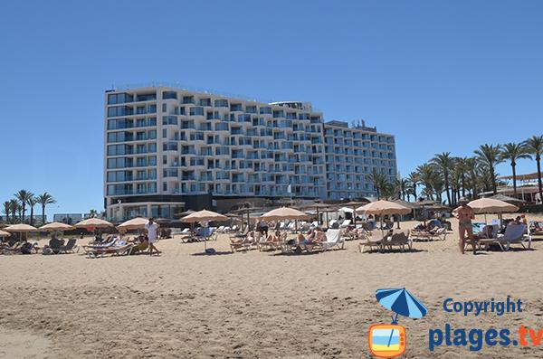 Hôtel sur le bord de la plage d'En Bossa