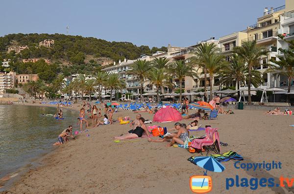Plage à Port-Soller à Majorque