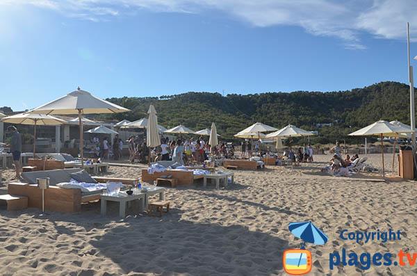 Paillote sur la plage Es Cavallet à Ibiza