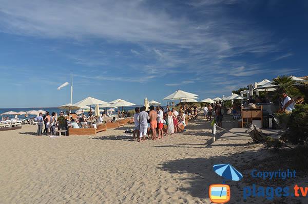 Photo du restaurant sur la plage Es Cavallet à Ibiza