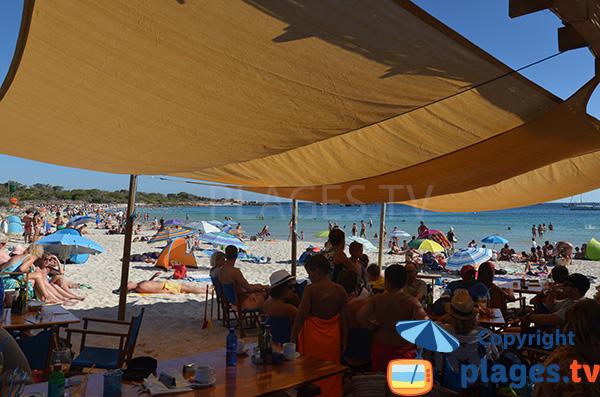 Restaurant sur la plage d'Es Dolc à Colonia de Sant Jordi - Majorque