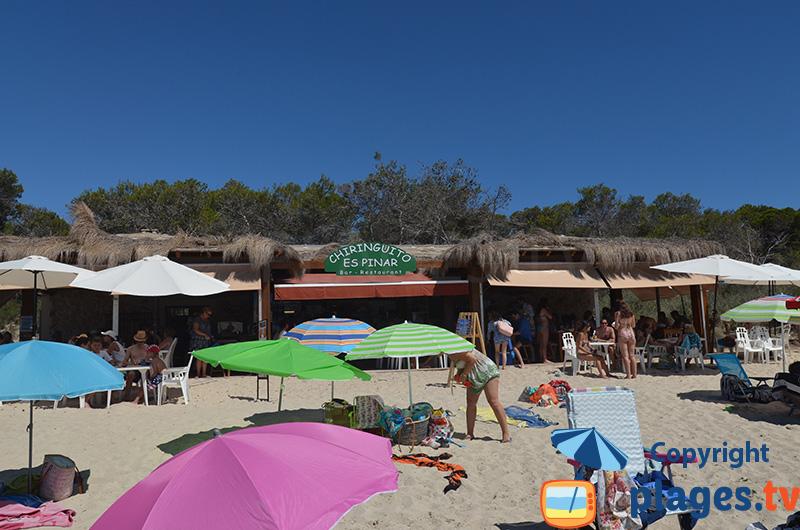 Chiringuito sur la plage de Colonia de Sant Jordi à Majorque