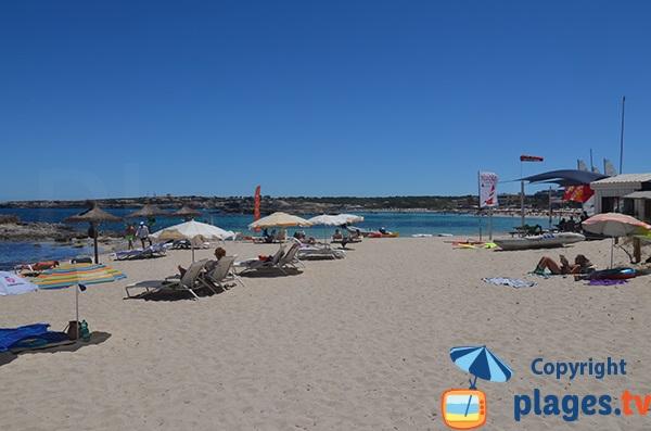 Location de matelas sur la plage d'Es Pujols