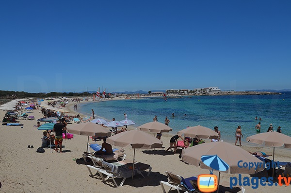Grande plage à Es Pujols