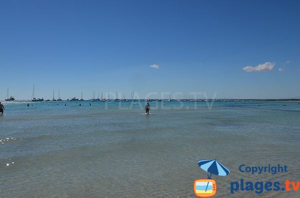 Baignade en pente douce sur la plage Es Trenc aux Baléares - Majorque