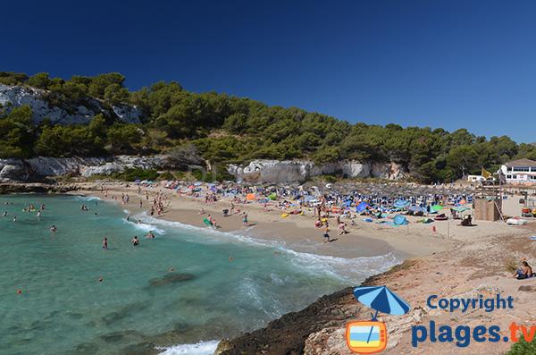 Baignade sur la plage de S'Estany d'en Mas à Porto Cristo à Majorque