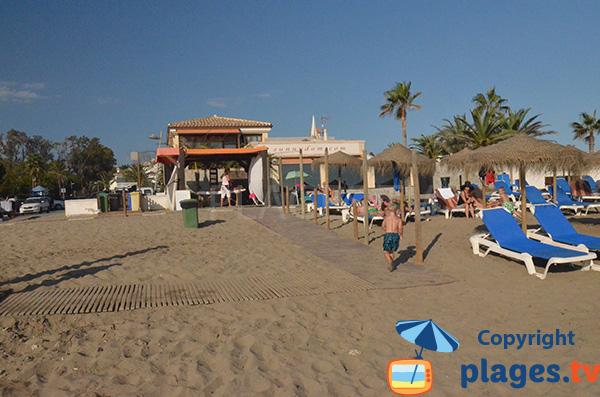 Restaurant sur la plage d'Estrella del Mar à Marbella