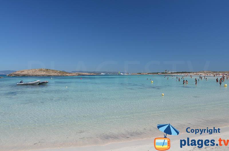 Plage de sable blanc à Formentera