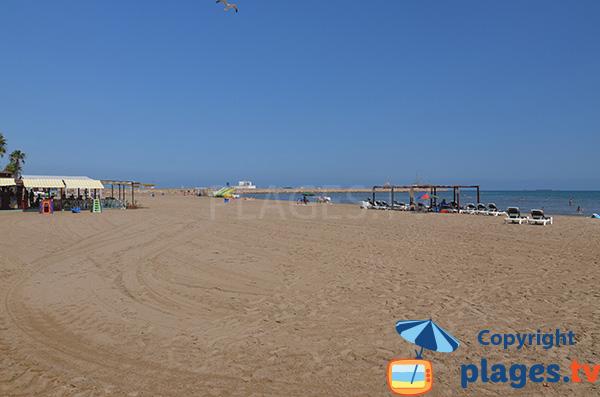 Plage à côté du port de Sant Carles de la Ràpita - Espagne