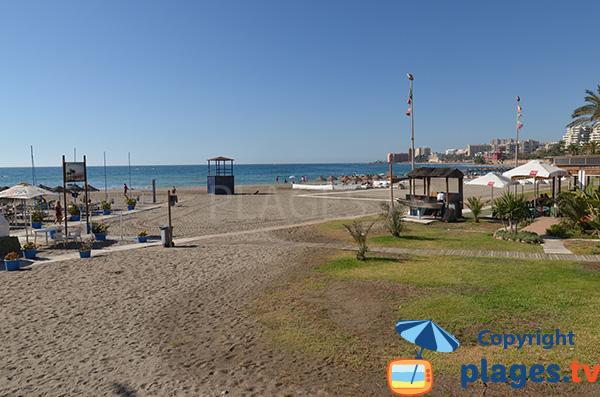 Photo de la plage de la Gaviostas à Benalmadena en Espagne