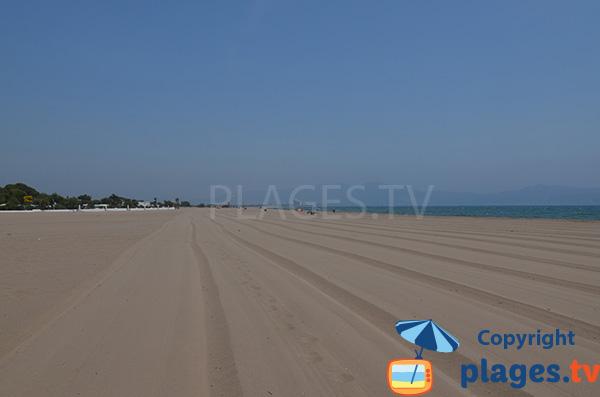 Plage de sable fin entre Empuriabrava et Sant Pere Pescador - Gola