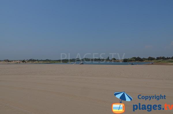 étendue d'eau au niveau de la plage de la Gola à Sant Pere Pescador