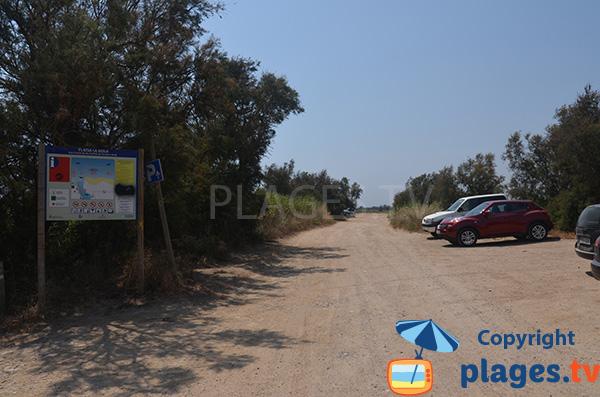 Parking de la plage de la Gola à Sant Pere Pescador
