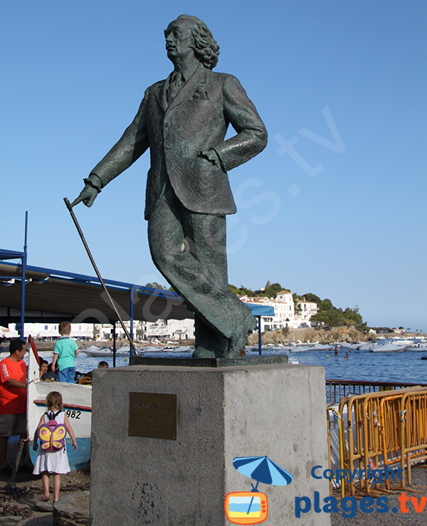 Statue of Dali in Cadaques at the beach