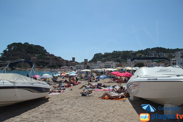 Location de bateaux sur la plage de Tossa de Mar