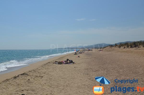 Grande plage peu fréquentée à Malgrat de Mar