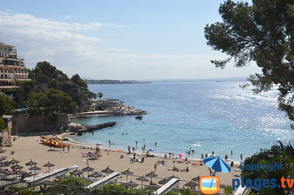 Photo de la plage Illetes à Majorque