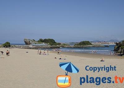 Plage à Isla en Espagne en Cantabrie