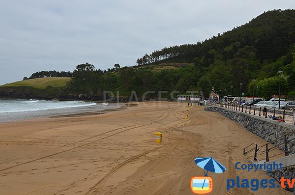 Crique de sable à proximité de Lekeitio - Espagne