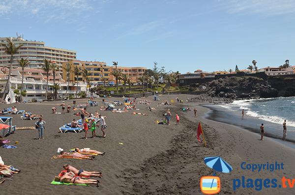 Plage de sable noir à Tenerife - La Arena