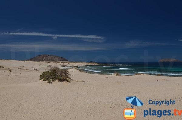 Volcano and Lambra Beach - La Graciosa