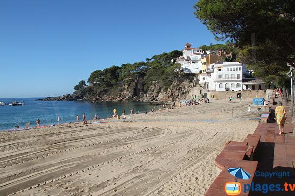 Photo de la plage de Llafranc en Espagne