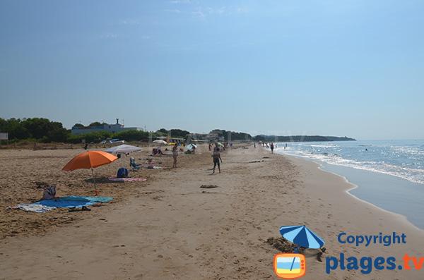 Large beach in Tarragona - Llarga