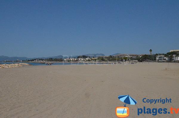 Photo de la plage de Llosa à Cambrils en Espagne