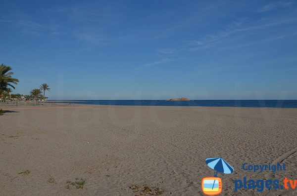 Photo de la plage de Los Barquicos à Carboneras en Espagne
