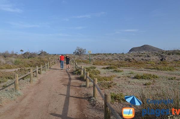 Access to Los Genoveses beach in San Jose - Andalousia