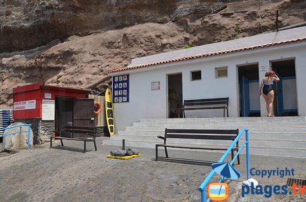 Poste de secours de la plage de Los Guios - Los Gigantes à Tenerife