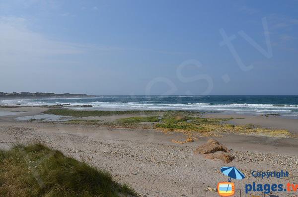 Plage de Malata à Barreiros avec vue sur la plage de Arealonga