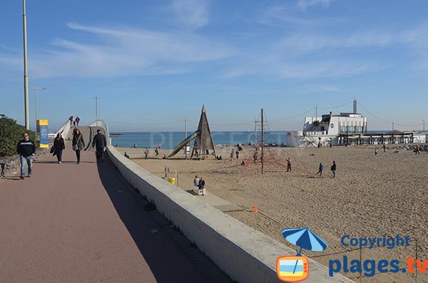 Extrémité de la plage de Mar Bella - Barcelone
