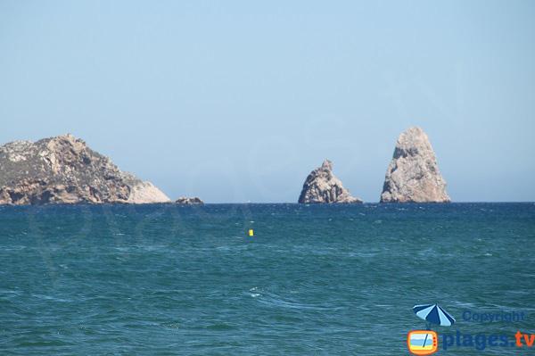 Vue sur les Iles Medes depuis la plage de Mas Pinell