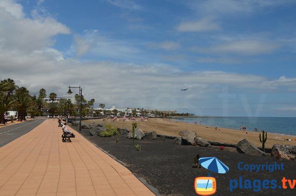 Promenade piétonne le long de la plage de Matagorda - Lanzarote