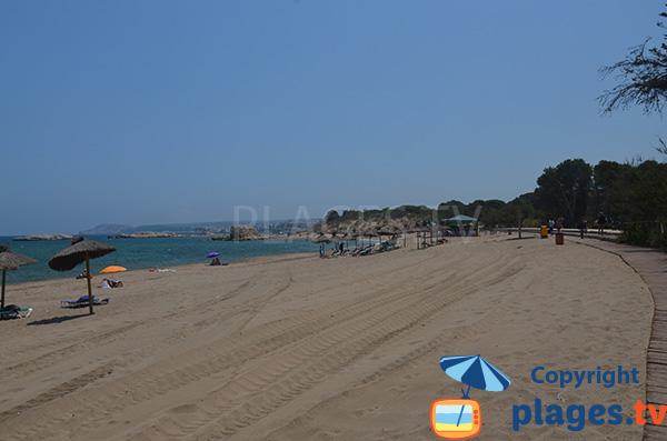 Plage de sable fin à Sant Martí d'Empúries - Costa Brava