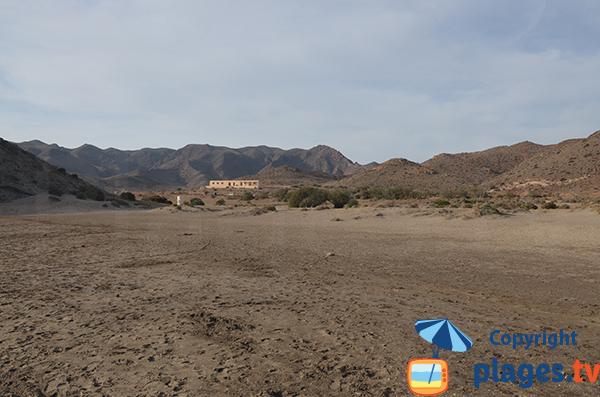 Environnement de la plage de Monsul - province almeria