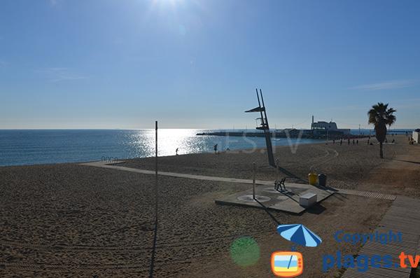 Extrémité de la plage de Nova Mar Bella à Barcelone
