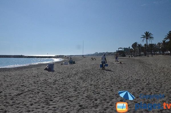 Anses de sable après Puerto Banus - Espagne