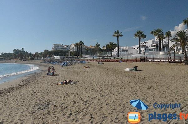 Plage au sud de Puerto Banus à Marbella