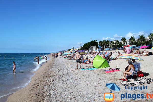 Grande plage à Pineda de Mar