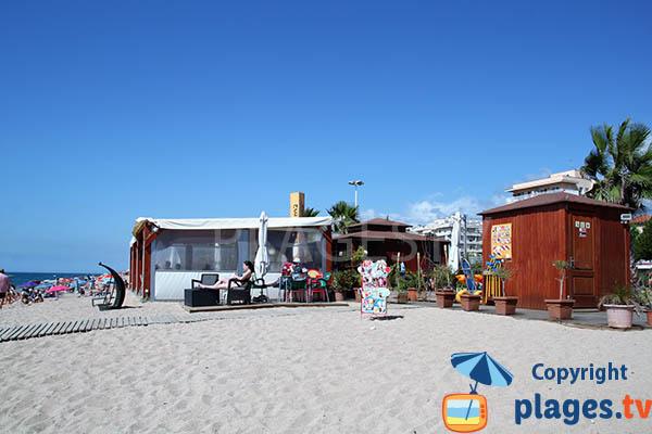 Restaurant sur la plage de Pineda de Mar