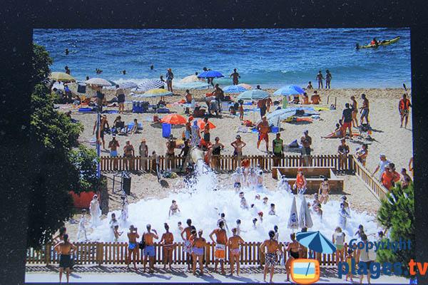 Animation sur la plage de Pineda de Mar