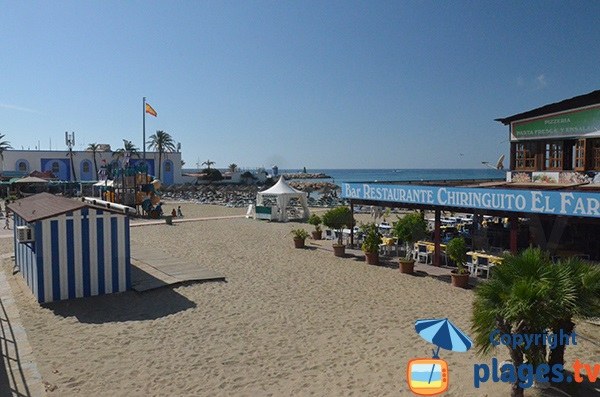 Entrée de la plage du Phare de Marbella