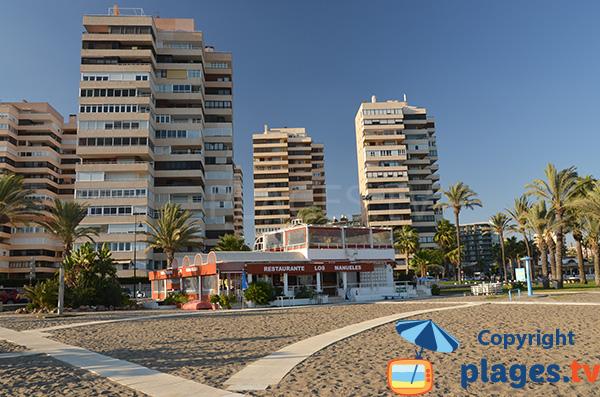 Immeubles autour de la plage de Playamar - Torremolinos