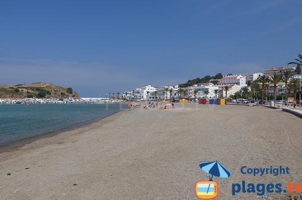 Photo de la plage du Port de Llança sur la Costa Brava - Espagne
